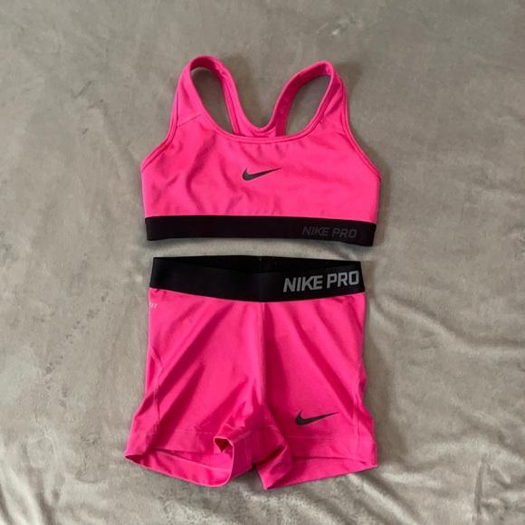 Nike Pro two piece set